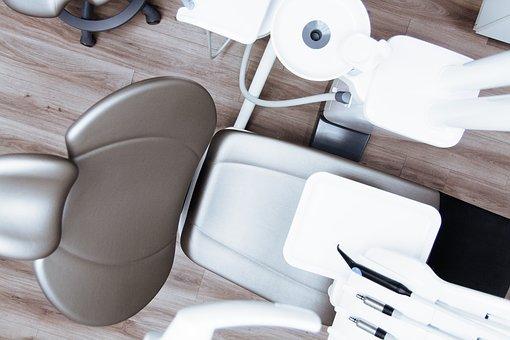 Avec qui peut-on faire un blanchiment dentaire ?